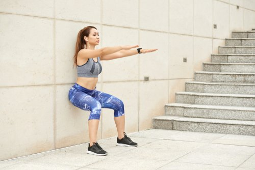 Squat Against The Wall is a Simple Thigh Exercise at Home